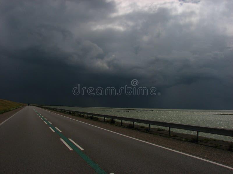 Droga przed deszczem obraz stock