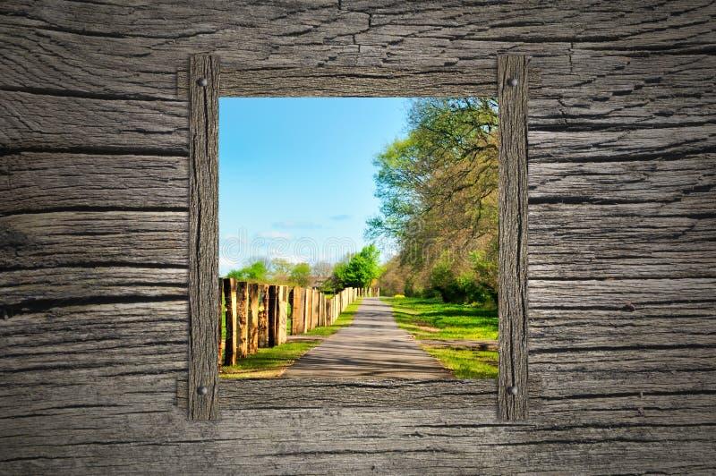 Droga przemian i drewniany okno fotografia stock