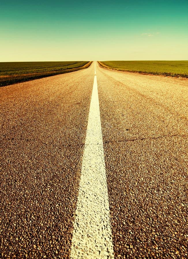 Droga przez pola horyzont obraz stock
