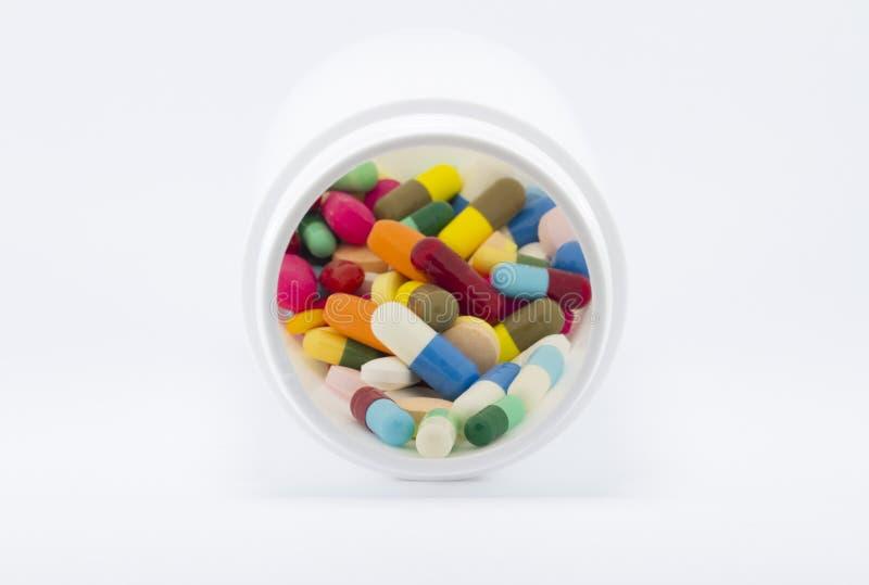 Droga variopinta multipla nella bottiglia immagini stock