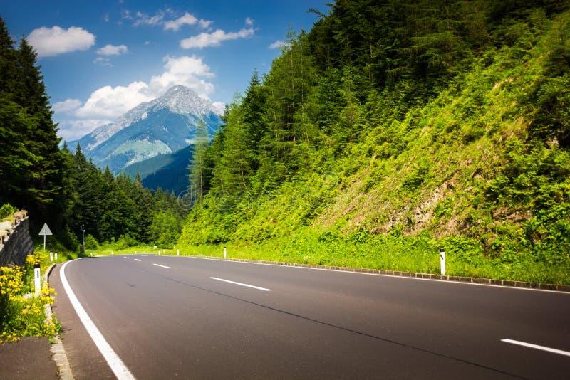 Droga w Austriackich alps obrazy stock