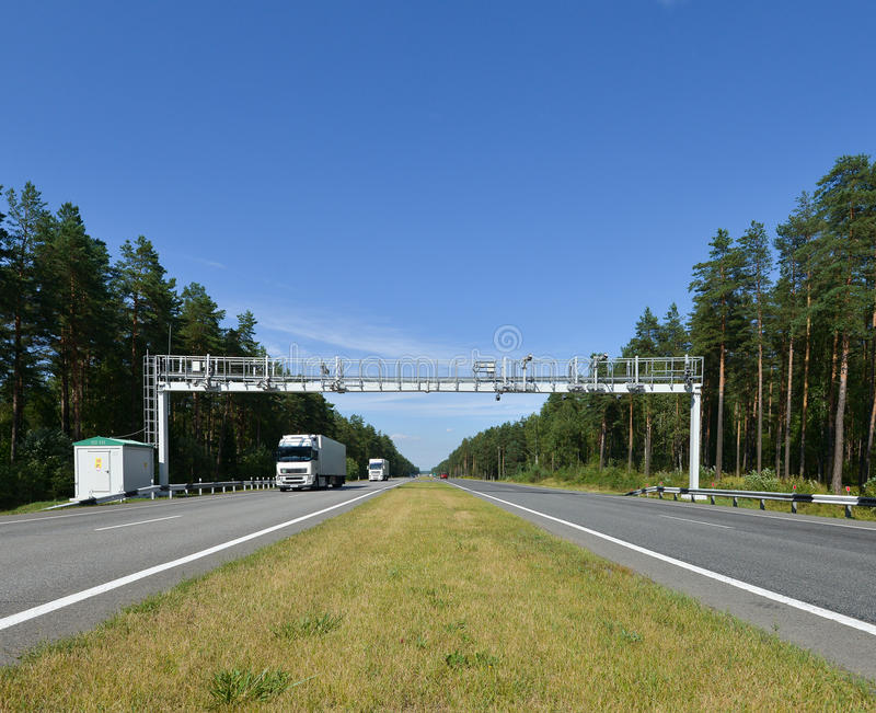 Droga w Rosyjskim lesie zdjęcia stock