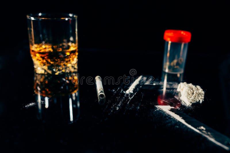 Drogas ilegales y vicios imagen de archivo libre de regalías