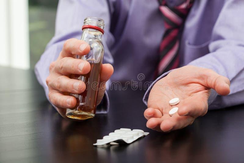 Drogas y alcohol fotos de archivo