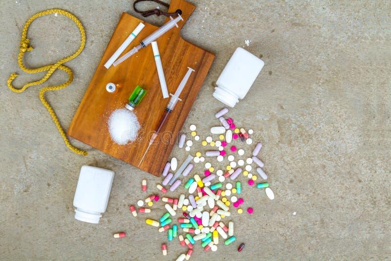 Drogas y apegos imagen de archivo