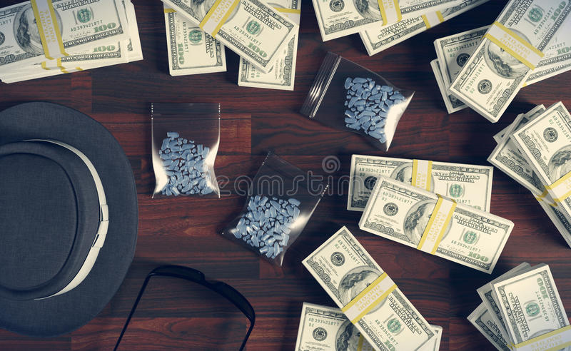 Drogas y dólares ilegales, traficante del negocio de la mafia ilustración del vector