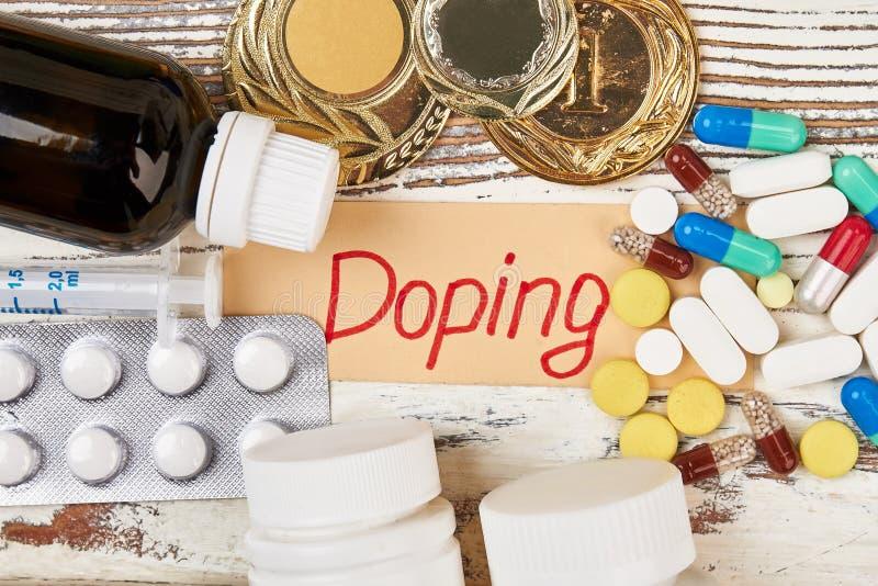 Drogas y medallas inmerecidas imagenes de archivo