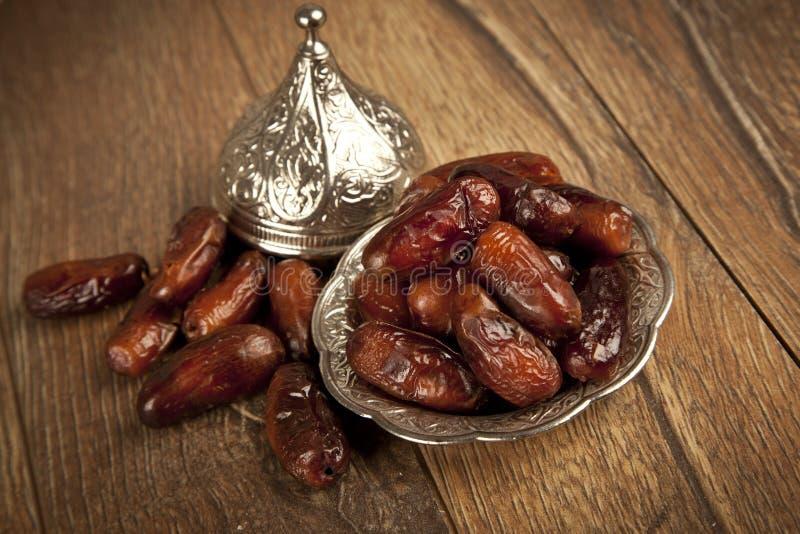 Droge dadelpalmvruchten of kurma, ramadan (ramazan) voedsel stock fotografie