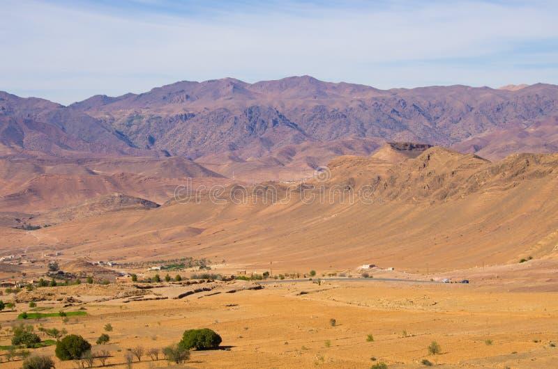 Droge heuvels van Marokko stock foto