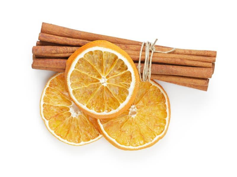 Droge sinaasappelen met kaneel royalty-vrije stock foto