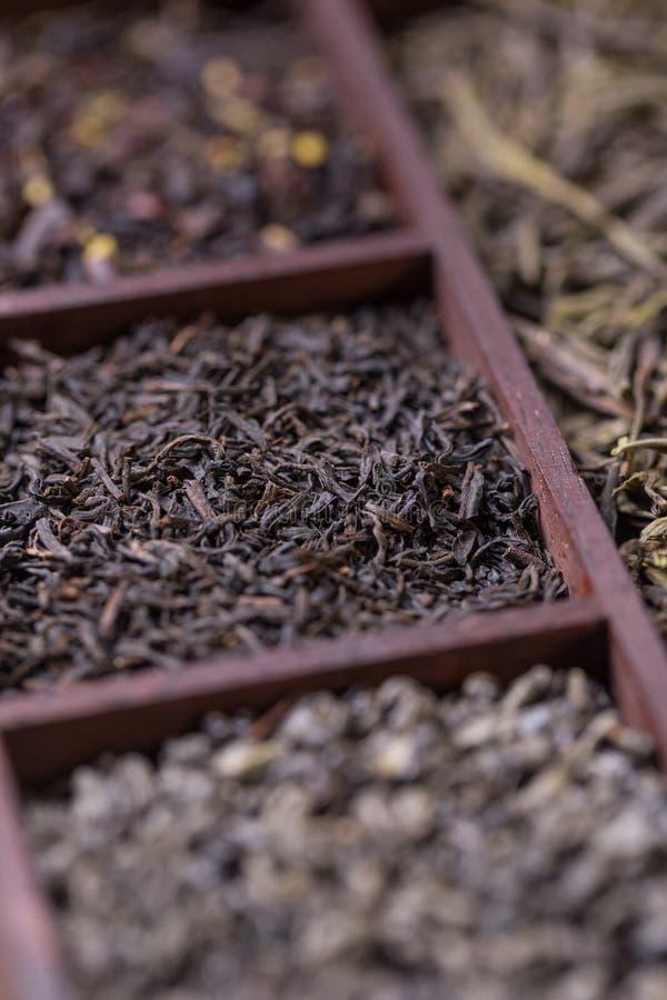 Download Droge thee in doos stock foto. Afbeelding bestaande uit anti - 54075932
