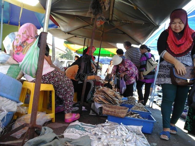 Droge Vissen in Kota Marudu Weekend Market stock afbeelding