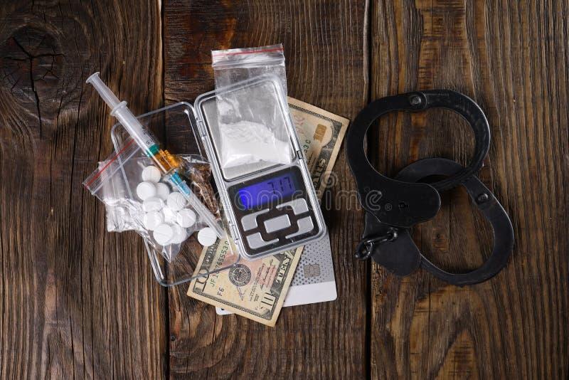 Drogenkonsum beraubt eine Person Freiheit Konzept gegen Drogen stockfotos