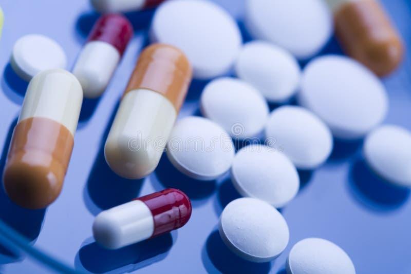 Droghe, medicine, ridurre in pani, pillole immagine stock