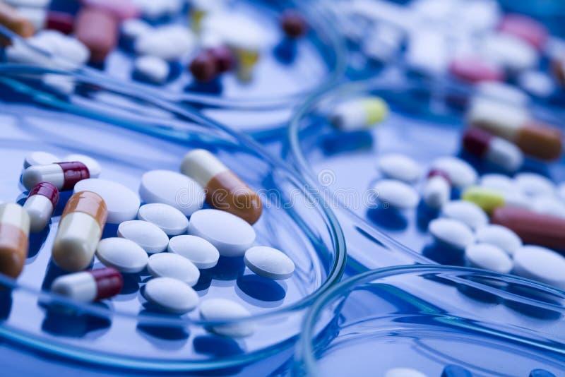 Droghe, medicine, ridurre in pani, pillole fotografia stock libera da diritti