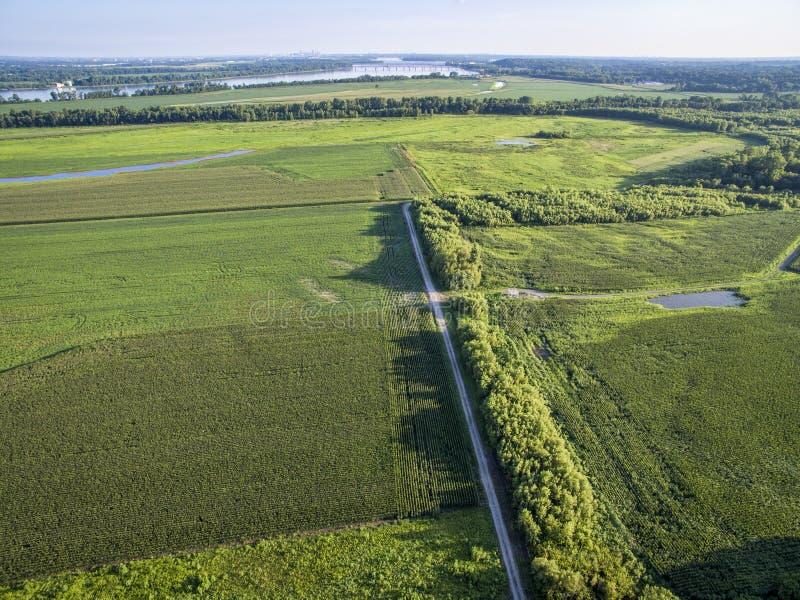 Drogi i ziemi uprawnej widok z lotu ptaka obrazy royalty free