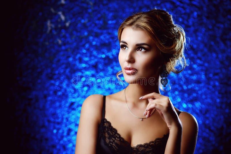 Drogi modny pozować fotografia royalty free