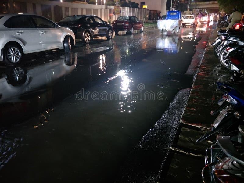 Drogi w deszczowych dniach zdjęcie royalty free