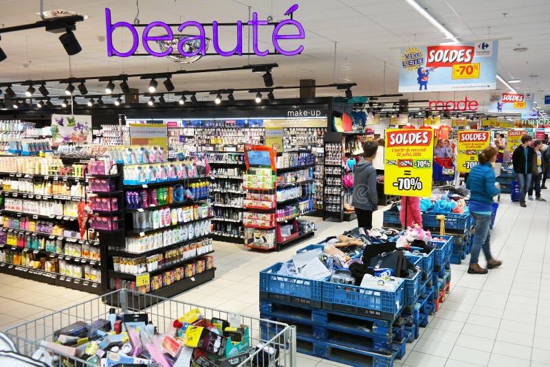 Drogisterijafdeling van Carrefour Hypermarket royalty-vrije stock fotografie