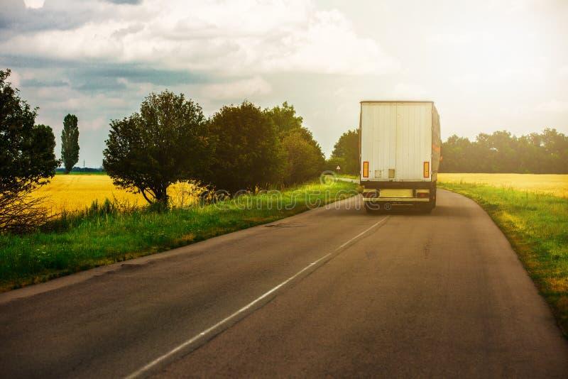 drogowa Pyrenees halna ciężarówka Spain obrazy stock