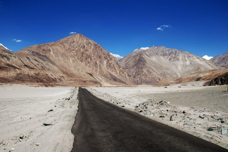drogowe opustoszałe puste góry obrazy royalty free