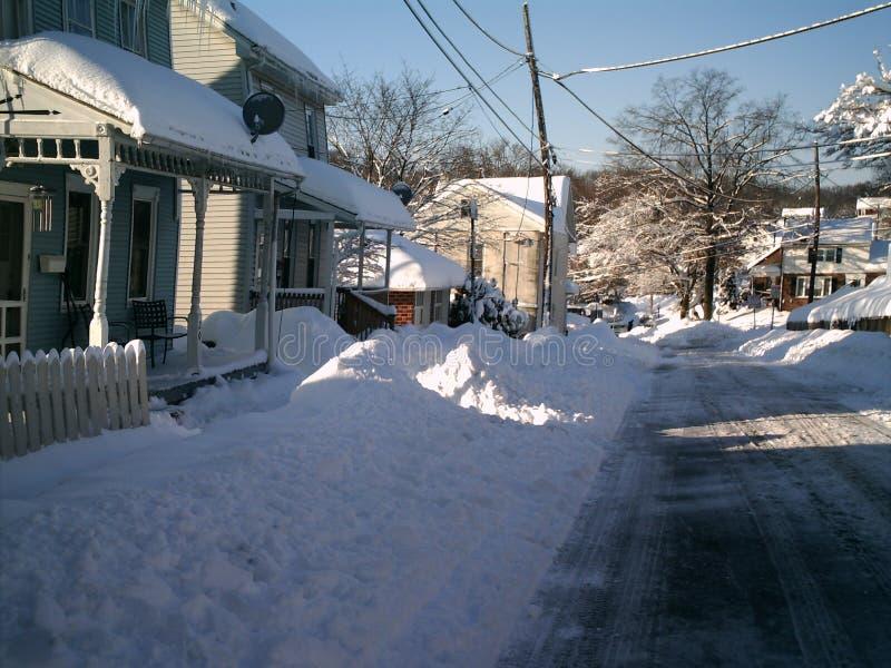 drogowy objętych śnieg zdjęcia royalty free