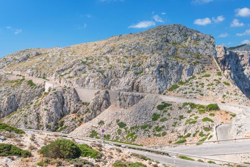 Drogowy pobliski przylądek Formentor w górach obraz stock