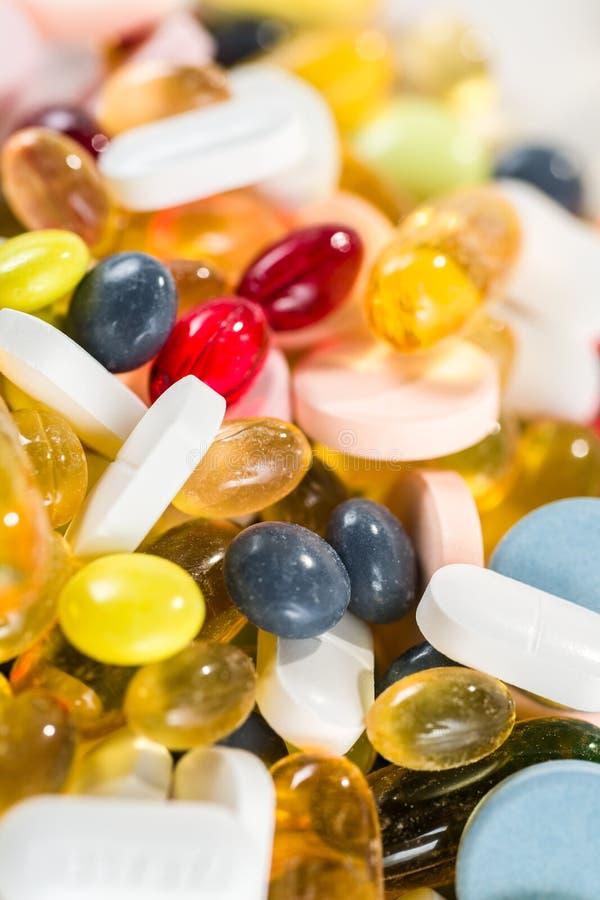 Drogues médicinales, pilules et capsules et comprimés photo libre de droits
