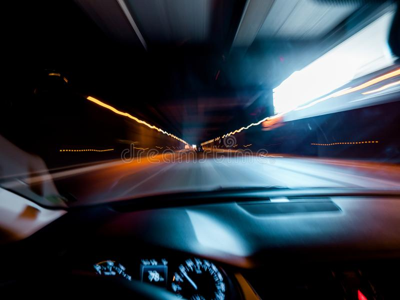 Dronken visie drijfauto binnen tunnel royalty-vrije stock fotografie