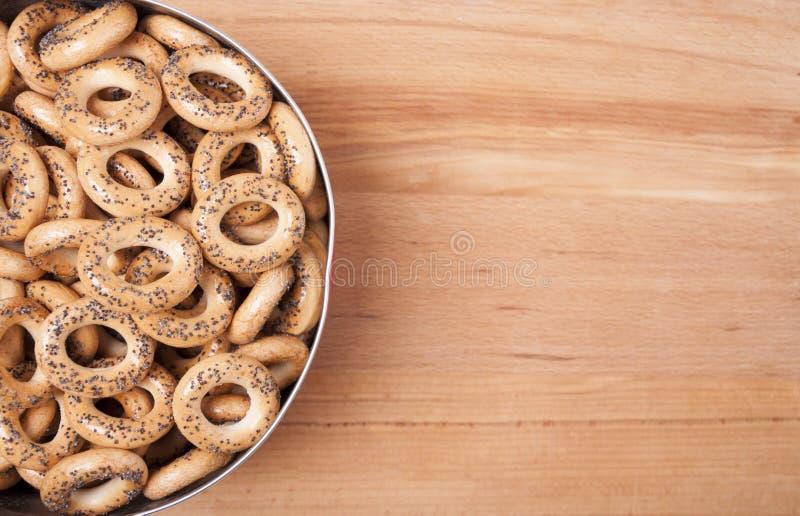 Droog brood-ringen met papaverzaden royalty-vrije stock foto
