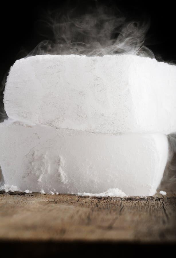 Droog ijs stock afbeeldingen