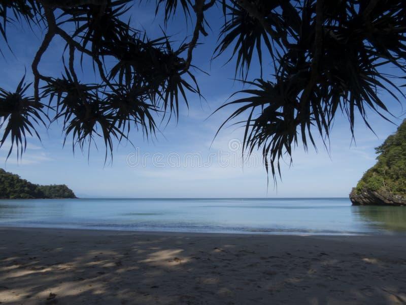 Droom geheim strand bij het Nationale Park van Tarutao, Thailand royalty-vrije stock fotografie