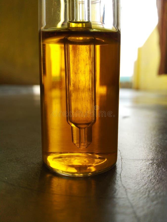 Droper butelki szklanego zbiornika krwionośnej grupy zestawu antybiotyków antygenu monoclonal niwecznik fotografia royalty free
