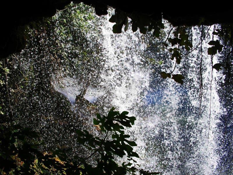 Droppar av vattenfallet royaltyfri foto