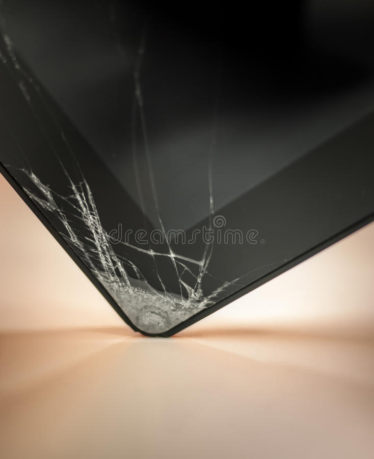 Download Dropped And Cracked Tablet Stock Images - Image: 32215334