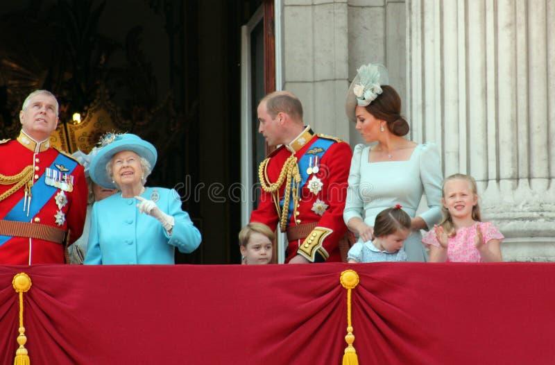 Drottning Elizabeth, London, UK, 9th Juni 2018 - prins George William, Charles, Kate Middleton & prinsessa royaltyfri fotografi
