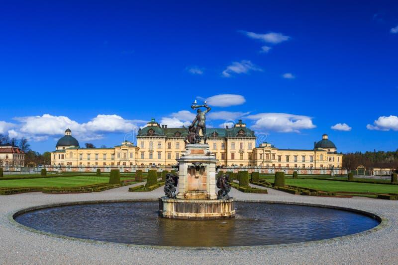 Drottningholm slott, Sverige - yttre sikt royaltyfri bild