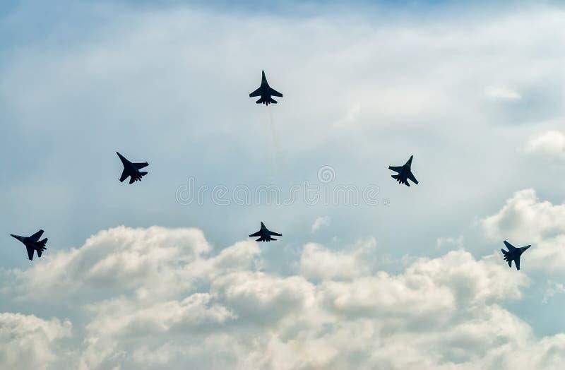 Drużynowa praca rosyjscy wojowników SU-27 rycerze fotografia stock