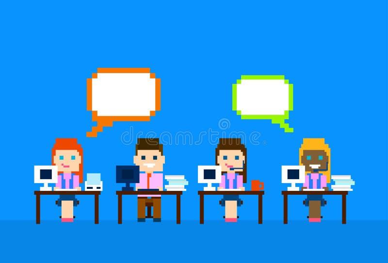 Drużynowy praca komputer, mężczyzna kobiety centrum telefonicznego operatorów obsługi klienta grupy gadki bąbla interneta komunik ilustracji