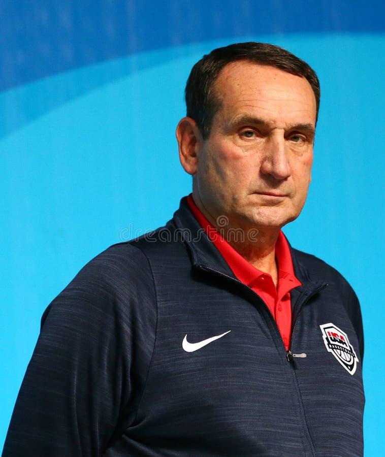 Drużynowy usa trener główny Mike Krzyzewski podczas mężczyzna ` s drużyny koszykarskiej usa konferenci prasowej przy Rio 2016 oli zdjęcie royalty free