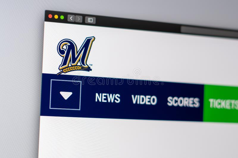 Dru?yny basebolowej Milwaukee piwowar?w strony internetowej homepage Zamyka w g?r? dru?ynowego logo zdjęcie stock