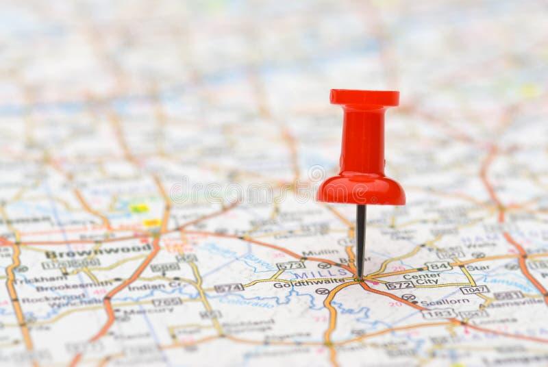 Druckbolzenmarkierungsstandort auf Karte stockbilder