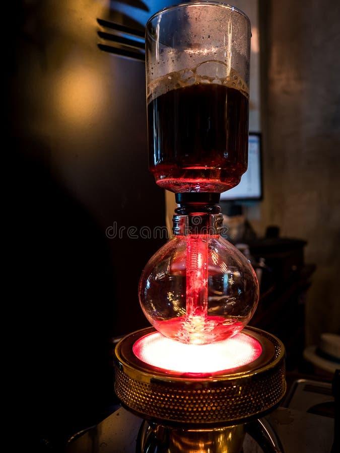 Druckdosenvakuumkaffeemaschine stockbilder