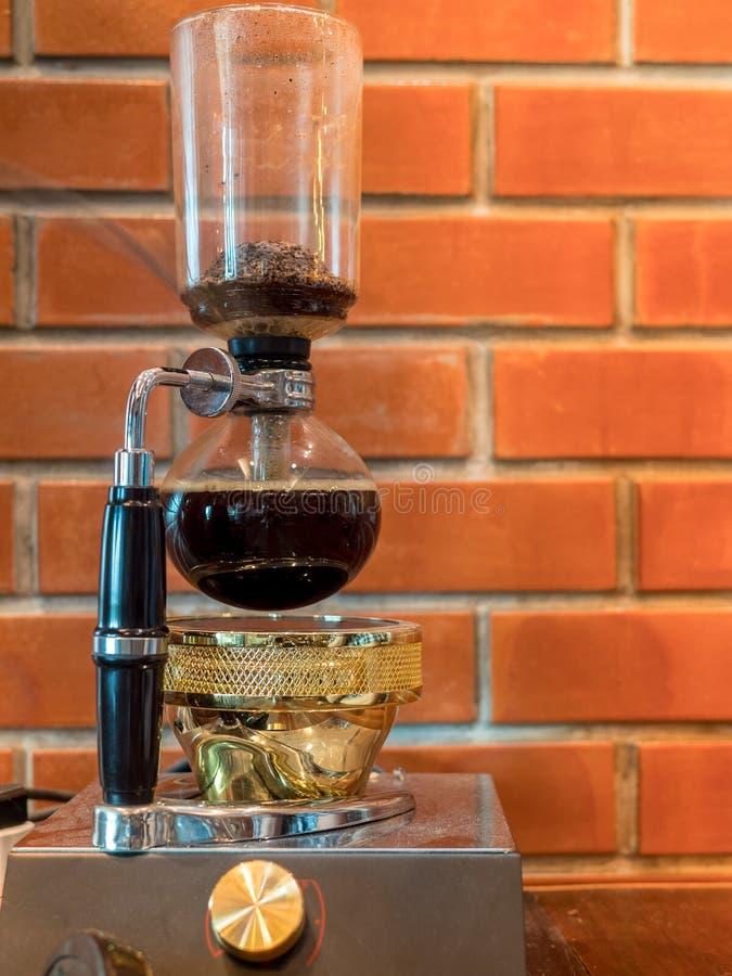 Druckdosenvakuumkaffeemaschine lizenzfreies stockbild