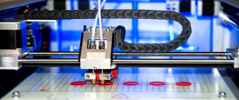 Drucker 3D u. x28; FDM& x29; stockbild