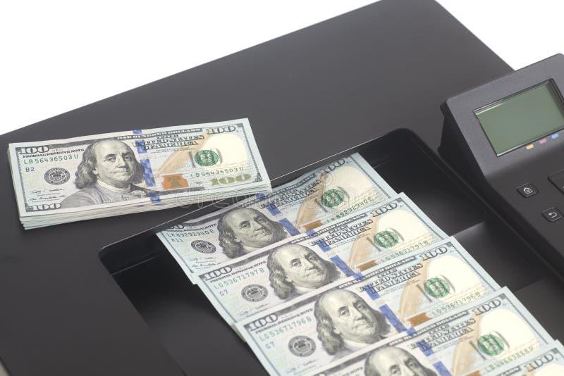 Drucker, der Dollarscheine druckt lizenzfreies stockfoto