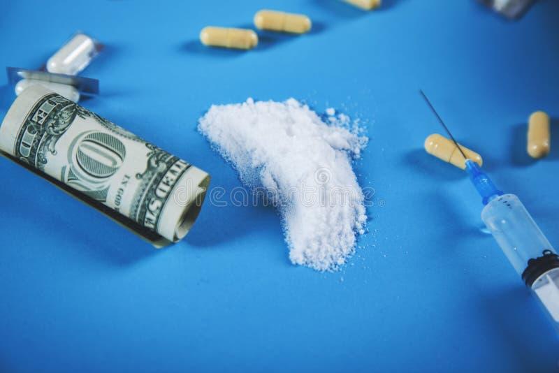 Drug en spuit met verdovend royalty-vrije stock afbeelding