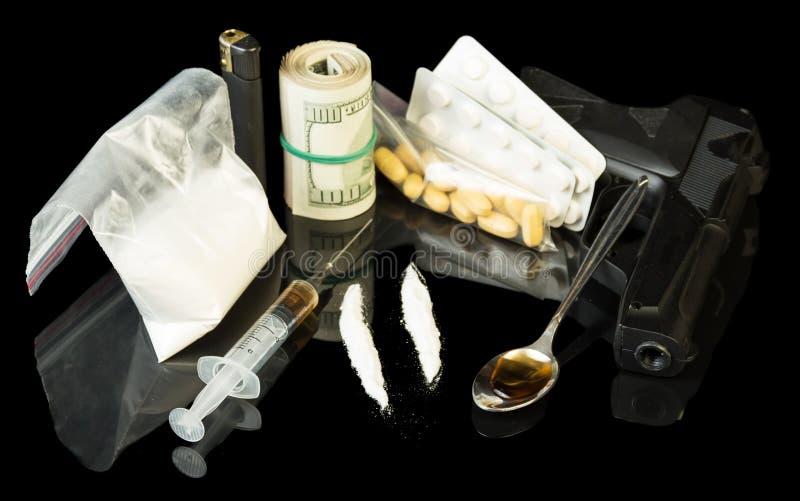 Drugspuit en heroïne stock foto