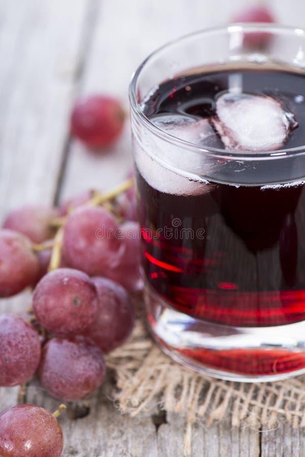 Druivesap met Ijs stock afbeelding
