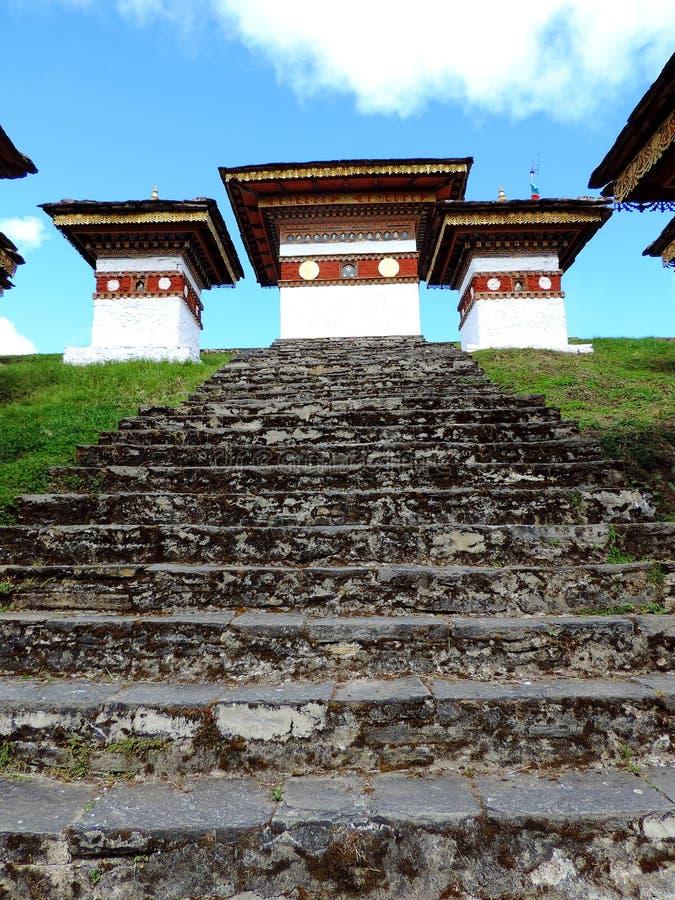 Druk在Dochula通行证,不丹的Wangyal Chortens 免版税库存照片